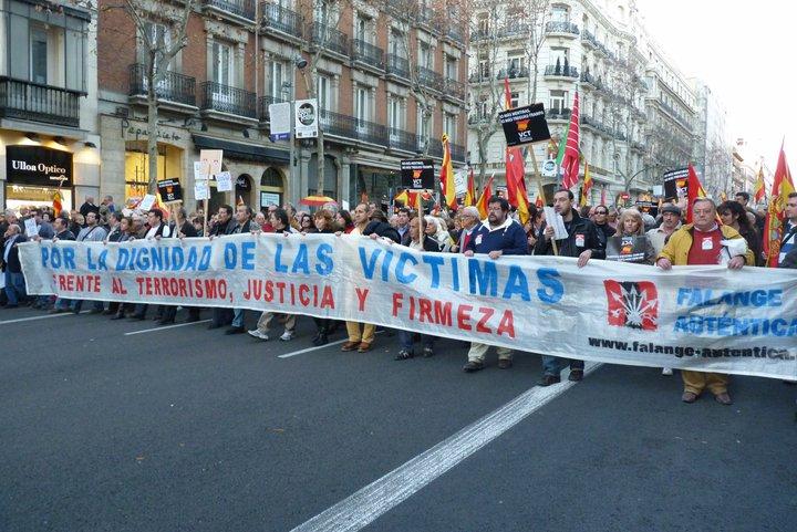 Pancarta de FA en la manifestación del 5 a las 5