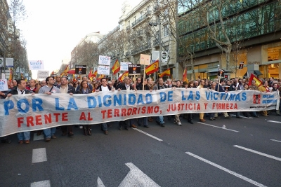 Falange Auténtica de Guareña en la manifestación del 5 a las 5