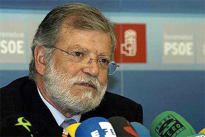 Foto del ex-presidente de la Junta de Extremadura, el Sr. Rodriguez Ibarra
